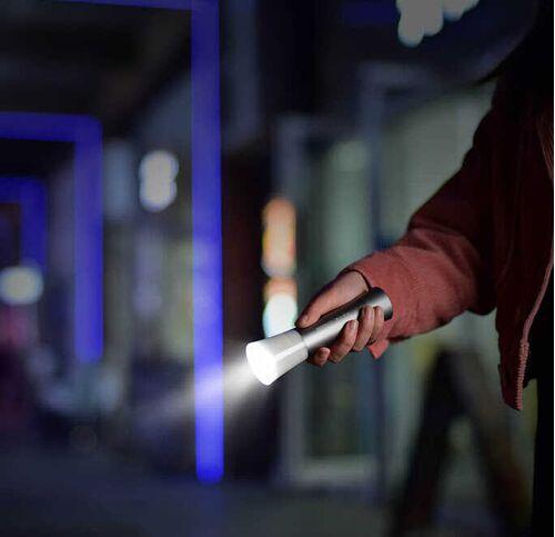 Đèn pin cầm tay mini BeeBest F2