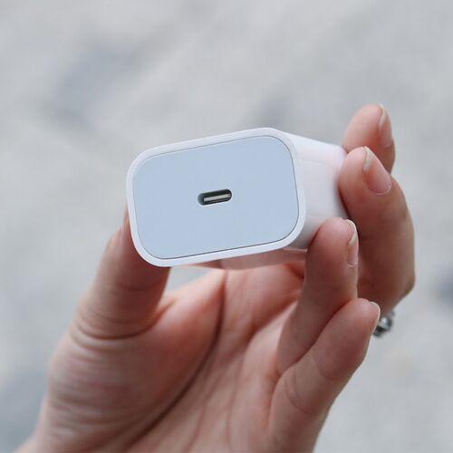 Cốc sạc nhanh 20W iPhone 12 (linh kiện)